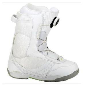 Morrow Lotus BOA Snowboard Boots // sz 7 // white